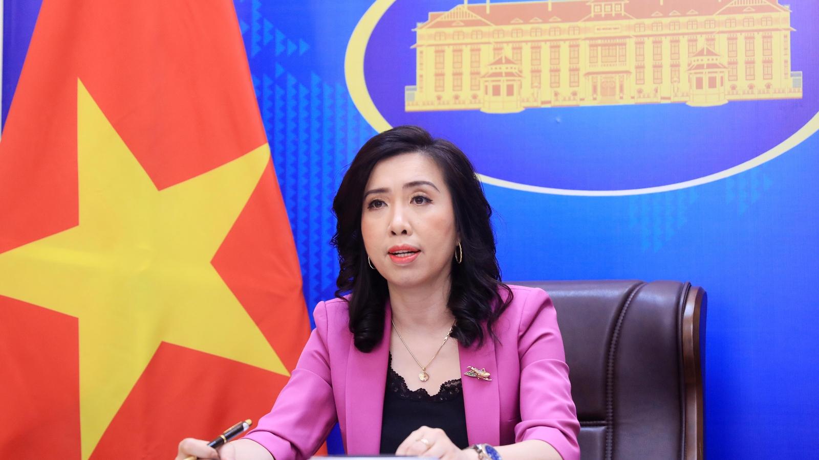 Việt Nam phản ứng trước việc Trung Quốc đưa máy bay vận tải ra Trường Sa