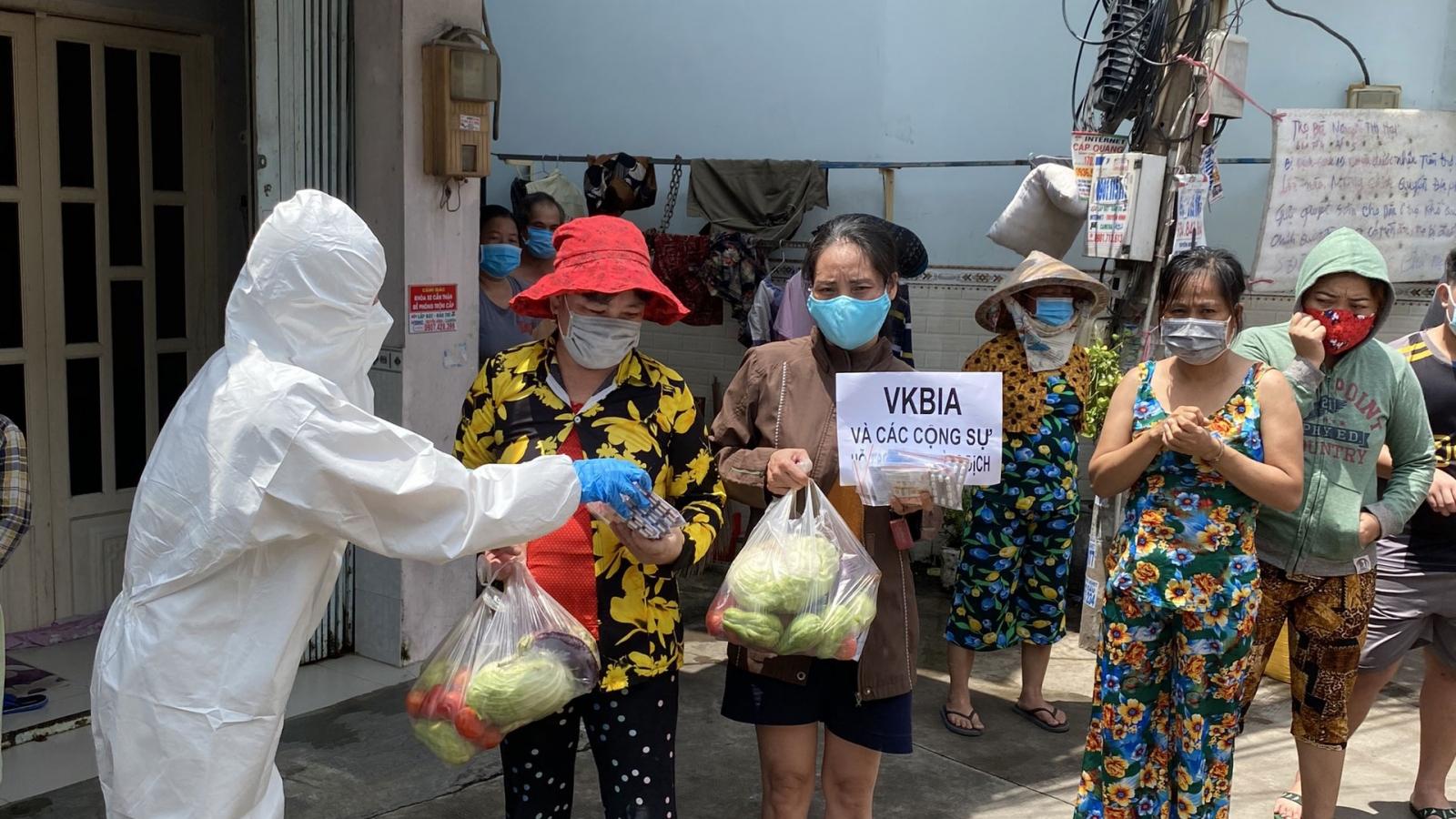 Doanh nhân Việt – Hàn chung tay hỗ trợ túi thuốc điều trị F0