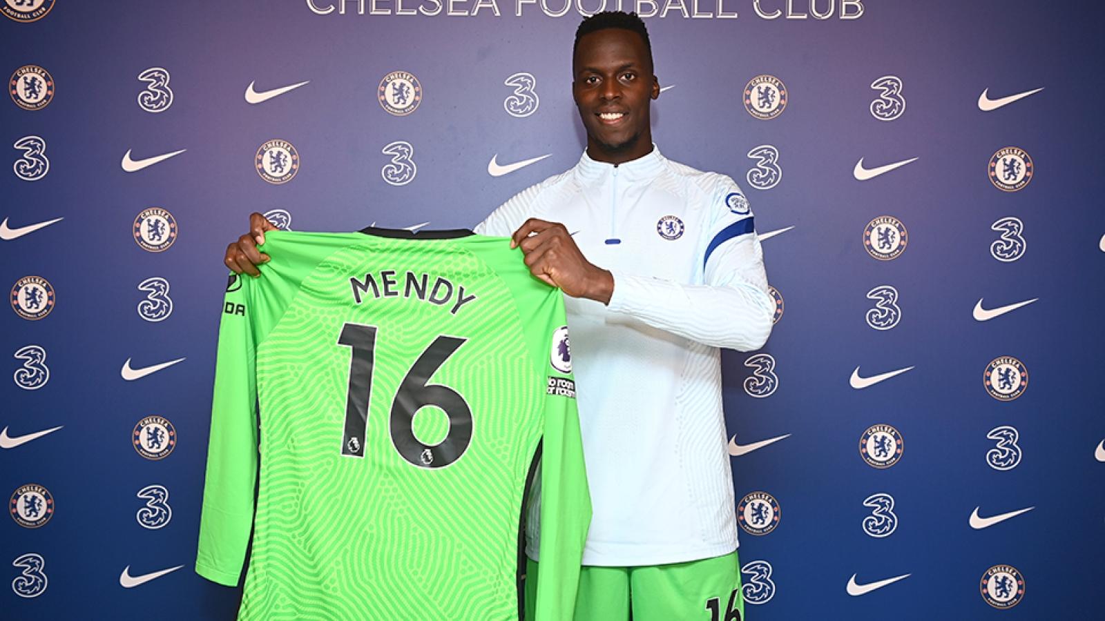 """Ngày này năm xưa: Chelsea chiêu mộ """"người nhện"""" từ Senegal"""