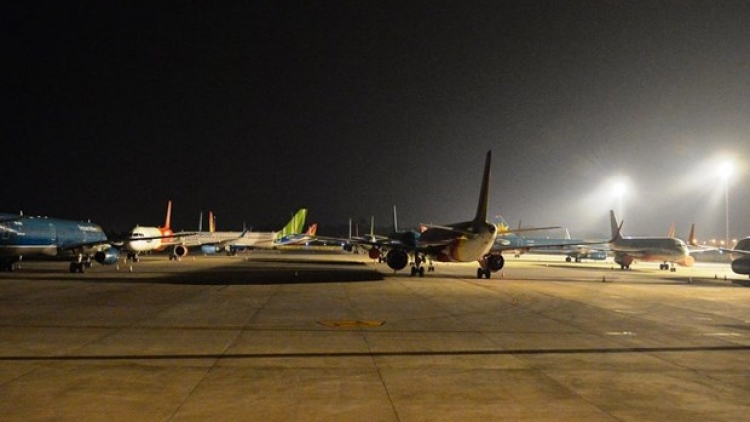 Passenger traffic at airports plunges in August