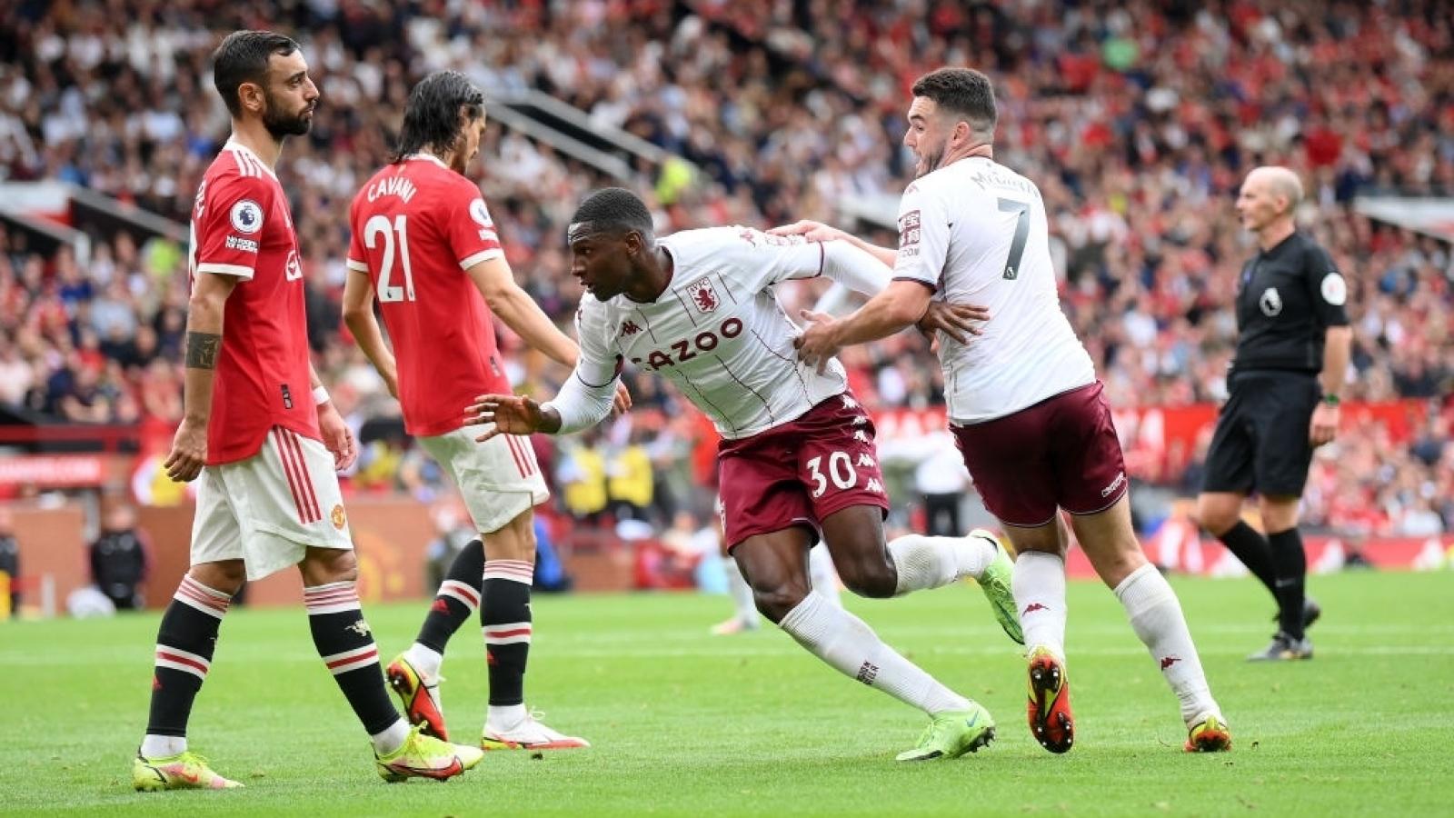 Bruno Fernandes đá hỏng penalty, MU thua Aston Villa ngay tại Old Trafford