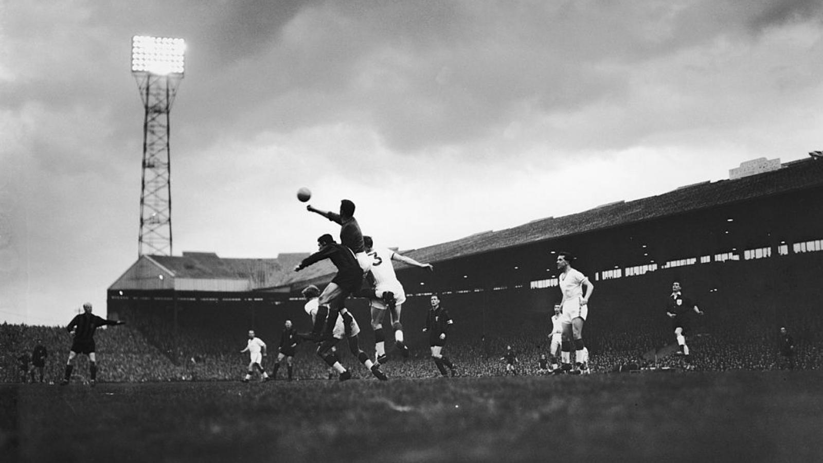 Ngày này năm xưa: MU thắng trận đậm nhất lịch sử câu lạc bộ