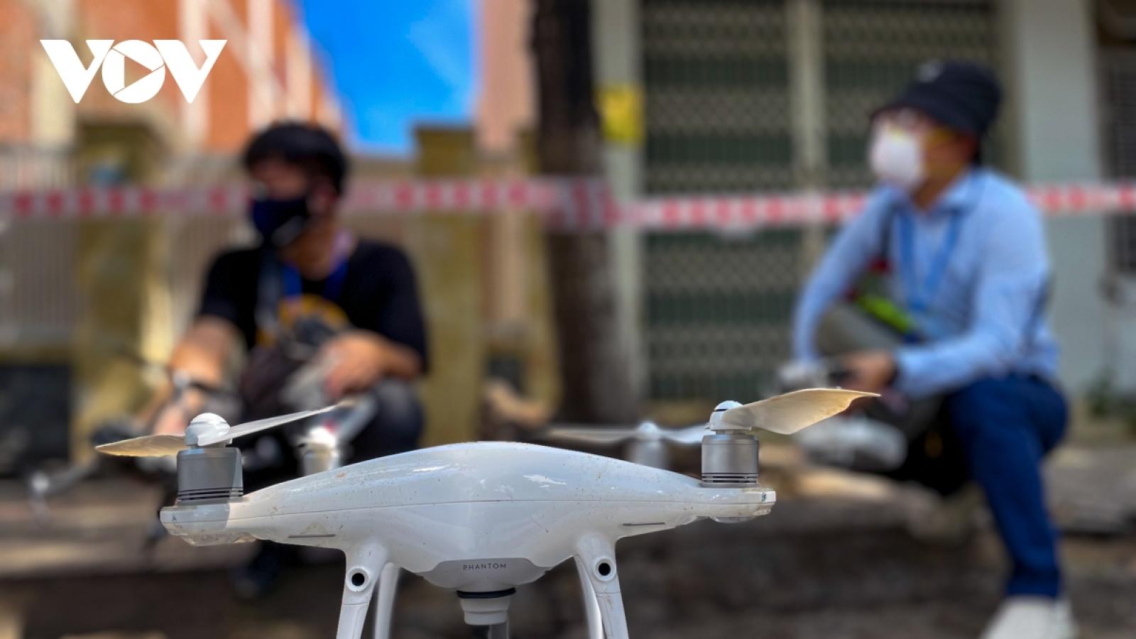 Hà Nội thí điểm giám sát khu vực phong tỏa bằng flycam