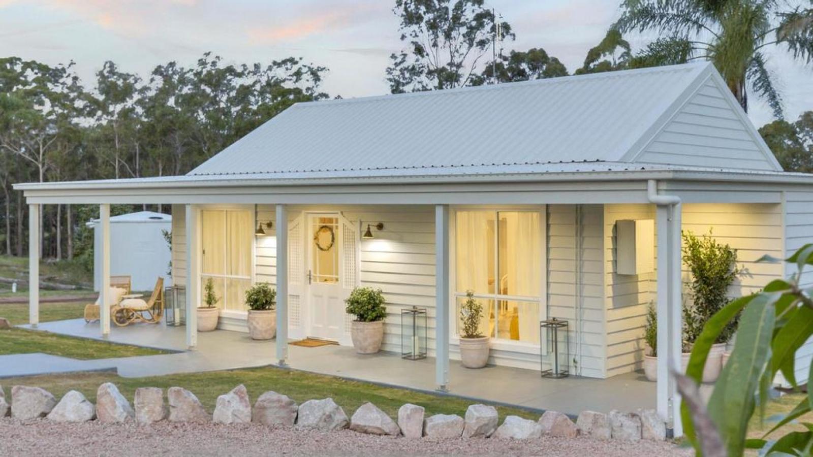 Cải tạo nhà kho lụp xụp thành ngôi nhà gỗ đáng mơ ước