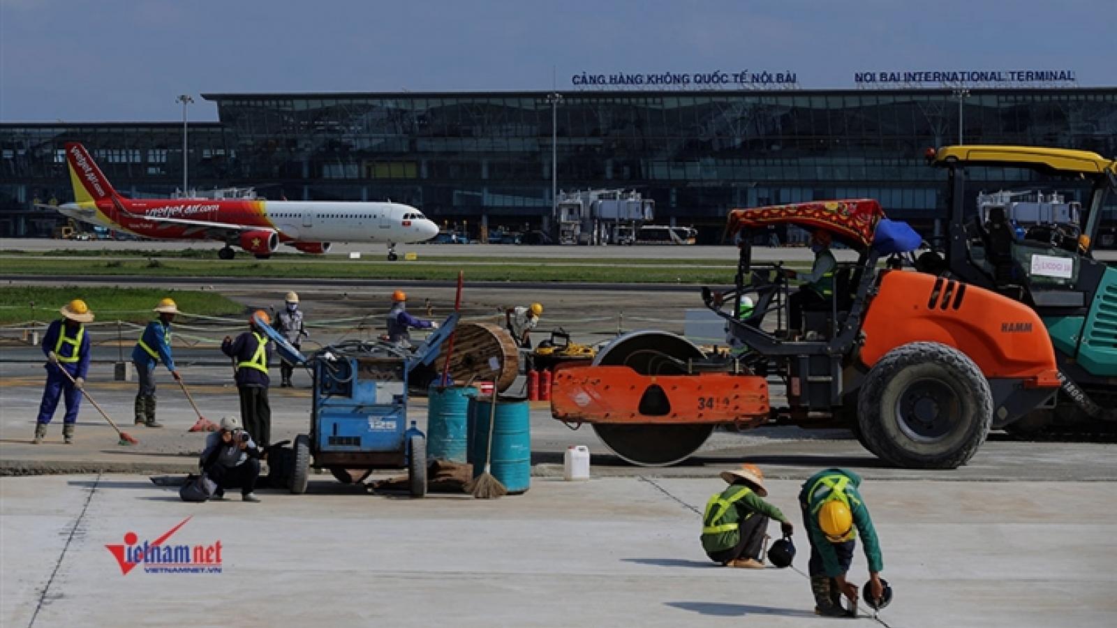 Chính thức đưa đường băng sân bay Nội Bài vào khai thác sau khi sửa chữa
