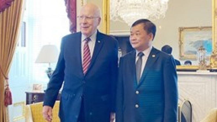 Vietnam, US step up cooperation in tackling war consequences