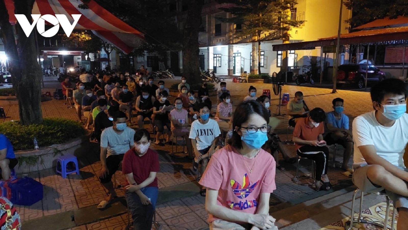 Bí thư Thành ủy Hà Nội: Tận dụng từng phút để hoàn thành mục tiêu tiêm chủng