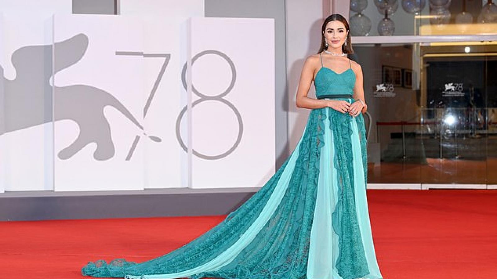 Hoa hậu Olivia Culpo đeo trang sức đắt giá tái xuất quyến rũ trên thảm đỏ
