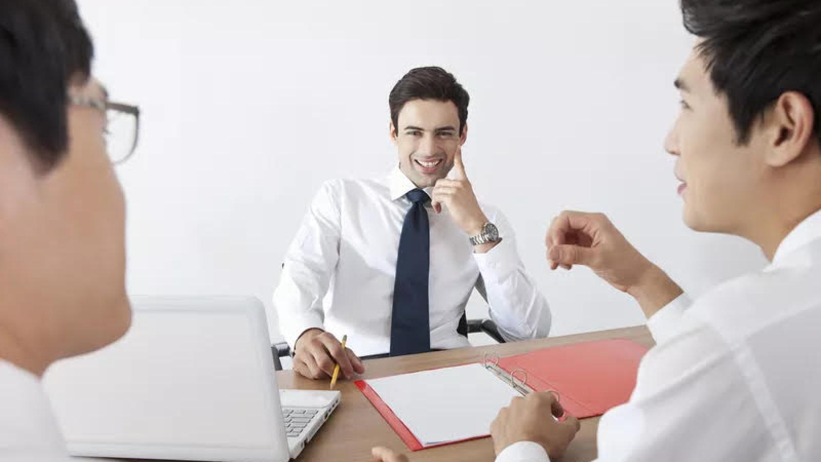 Mẹo mách bạn nên mặc gì cho buổi phỏng vấn?