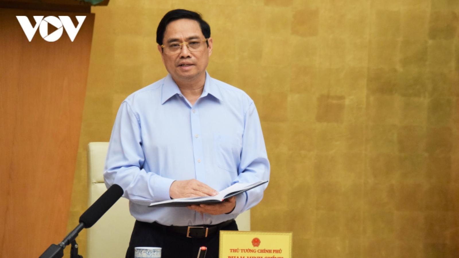Thủ tướng Phạm Minh Chính chỉ đạo quan tâm hơn nữa đến đội ngũ y, bác sĩ chống dịch