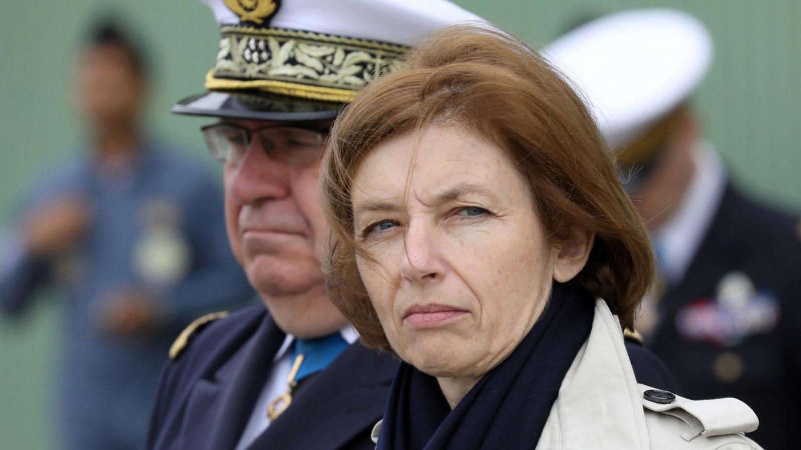 Nhiều chính trị gia kêu gọi Pháp tính đến khả năng rời NATO