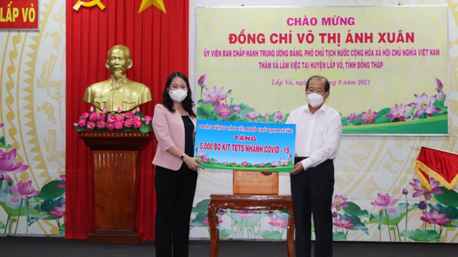 Phó Chủ tịch nước Võ Thị Ánh Xuân biểu dương tinh thần chống dịch của Đồng Tháp