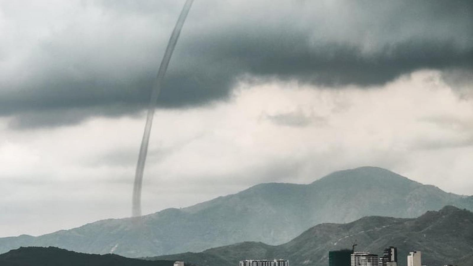 Stunning shot of tornados captured in Nha Trang