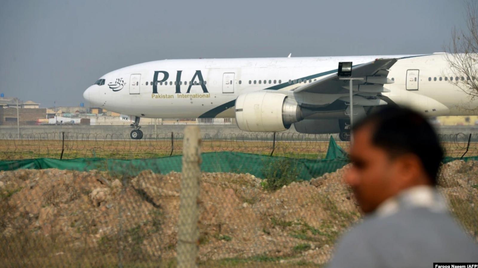 Chuyến bay thương mại nước ngoài đầu tiên hạ cánh xuống Kabul