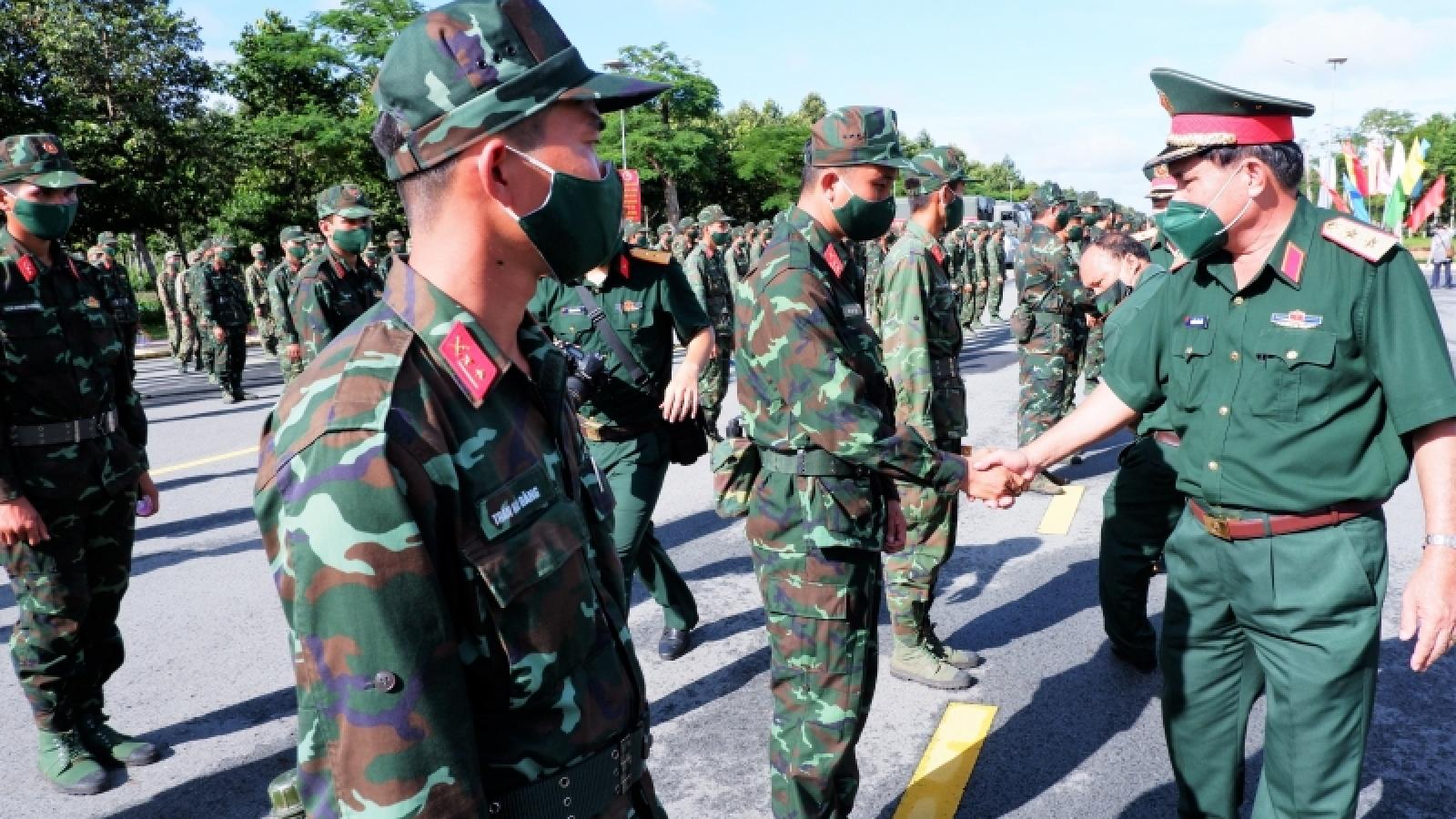Quân khu 9 tăng cường hơn 1.000 quân hỗ trợ TP.HCM phòng, chống dịch