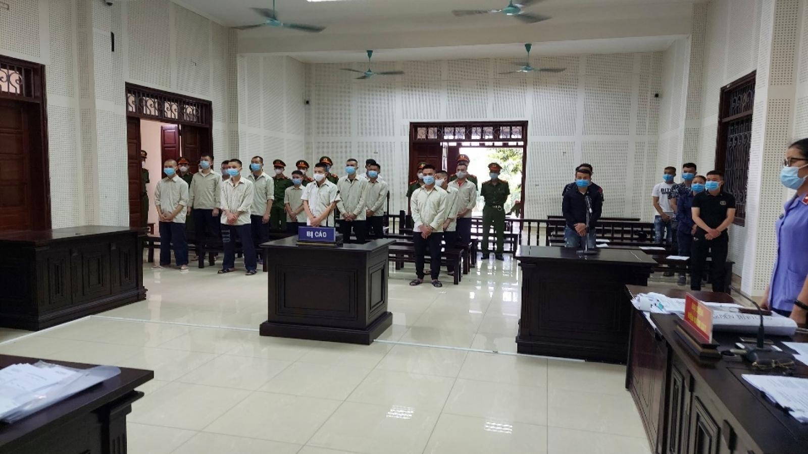 """45 năm tù cho các đối tượng tổ chức đánh bạc """"online"""" ở Quảng Ninh"""