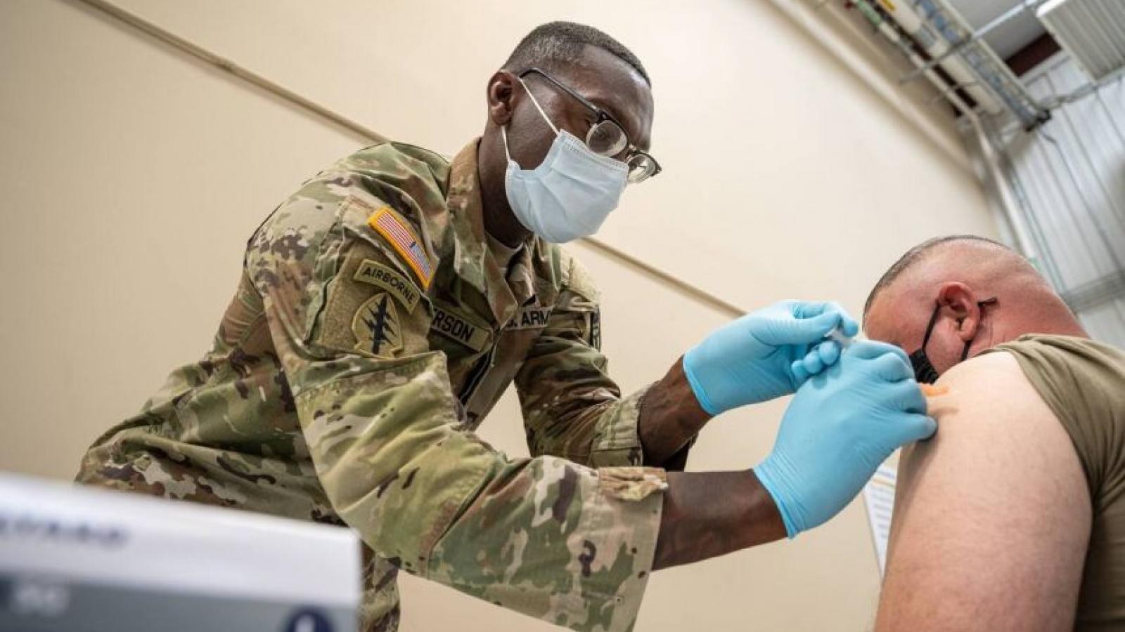 Quân nhân Mỹ từ chối tiêm vaccine Covid-19 có thể bị sa thải