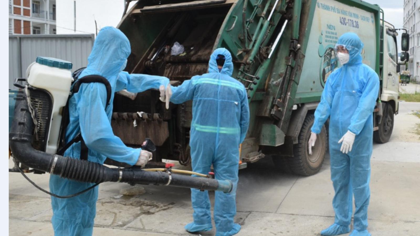 Công nhân thu gom rác ở Đà Nẵng được ưu tiên tiêm vaccine, xét nghiệm 3 ngày/lần