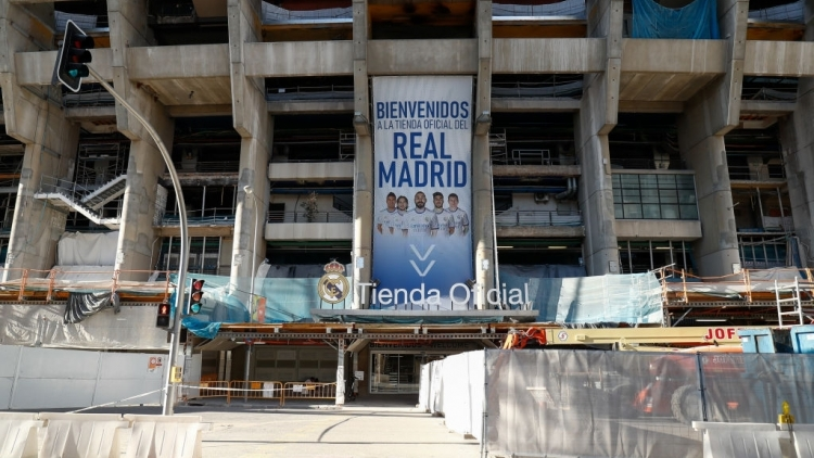 Real Madrid lần đầu thi đấu trên sân nhà Bernabeu sau 18 tháng