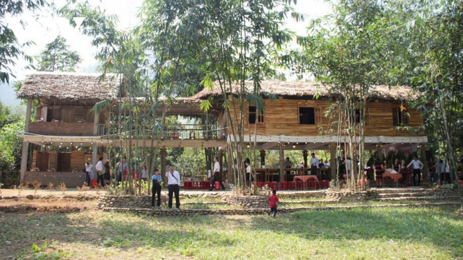 Co Tu's homestay service develops community-based tourism