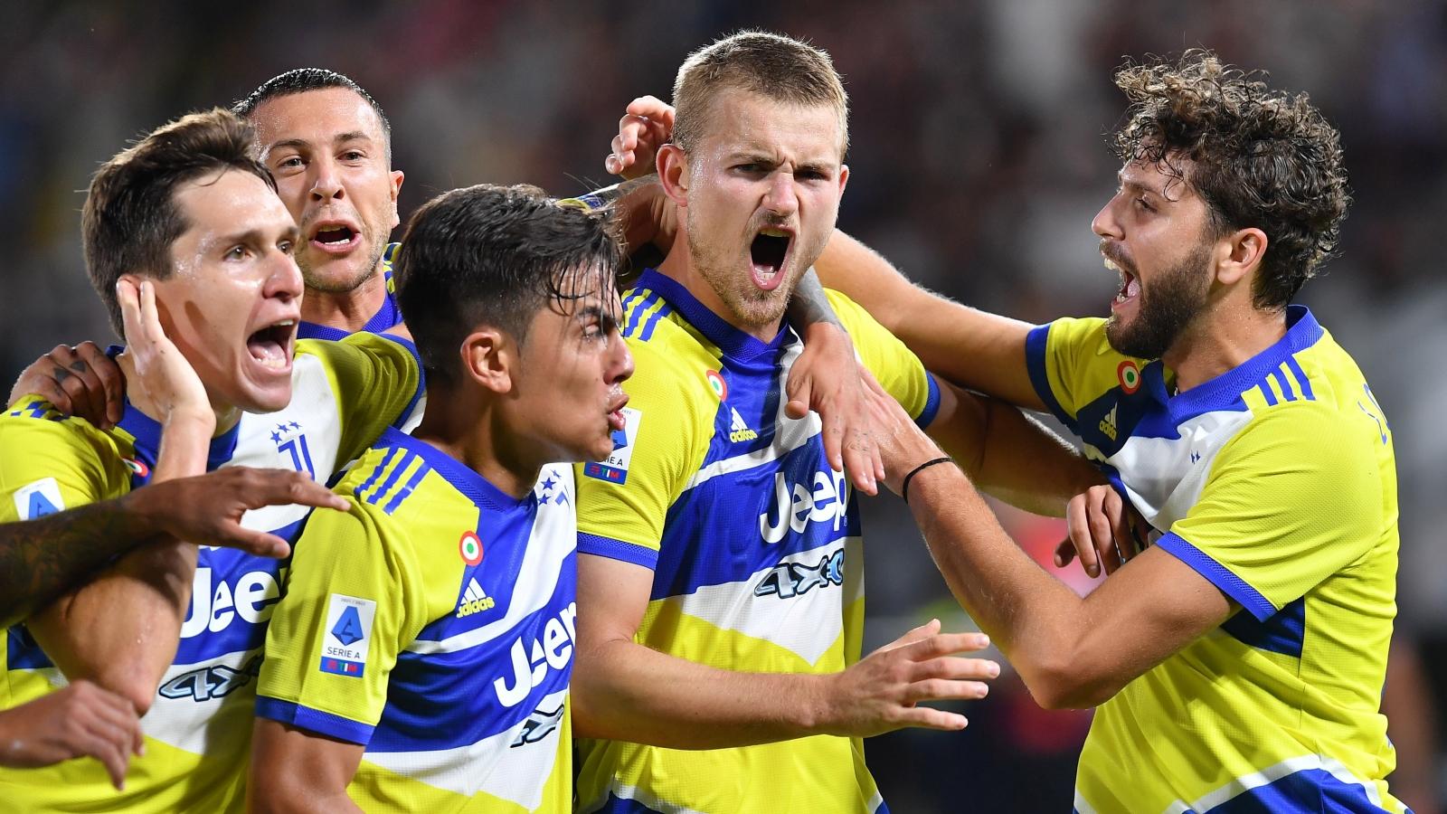 Ngược dòng trong 6 phút, Juventus thắng trận đầu tiên ở Serie A 2021