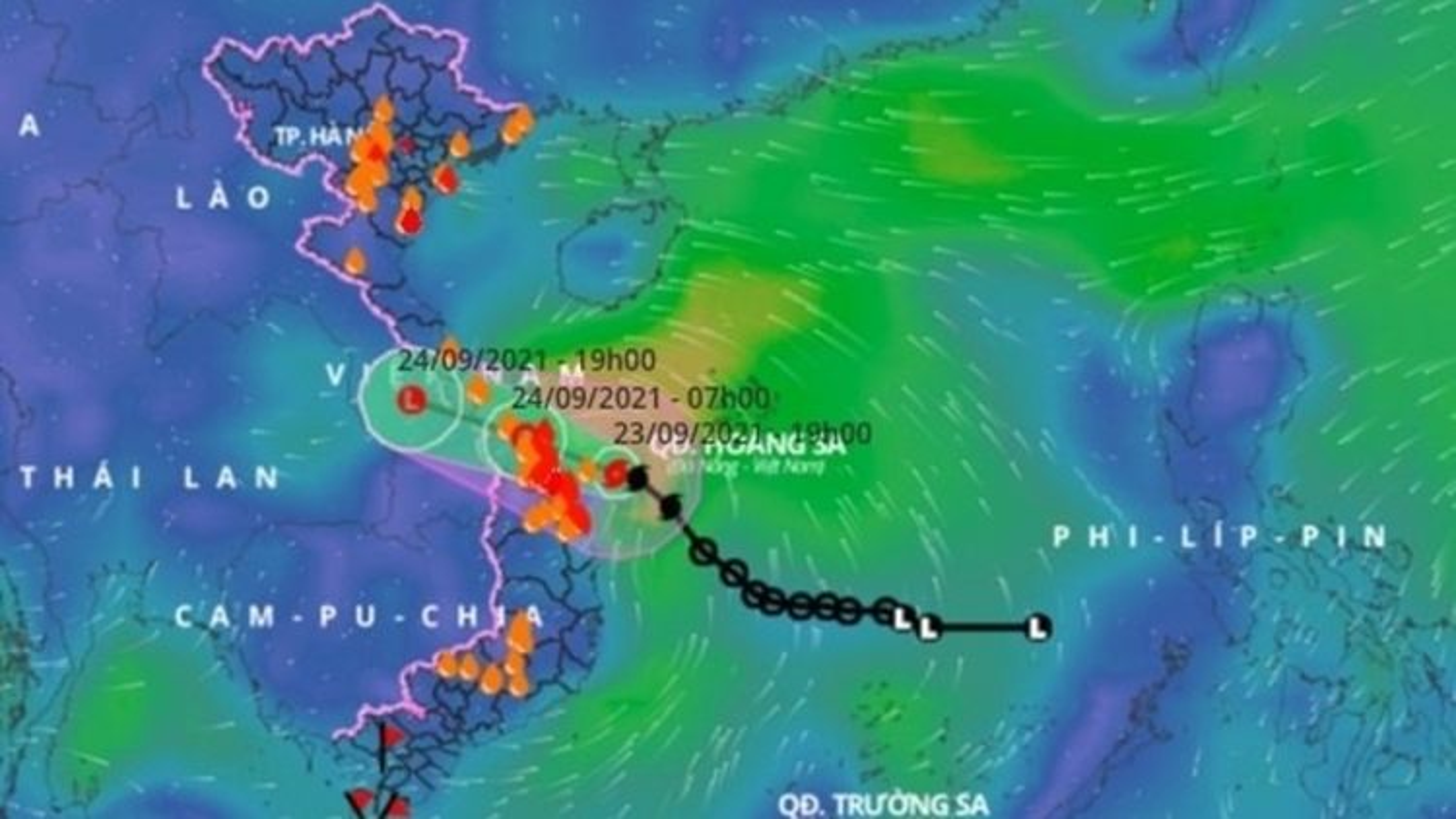 Dianmu weakens, heavy rain drenches central Vietnam