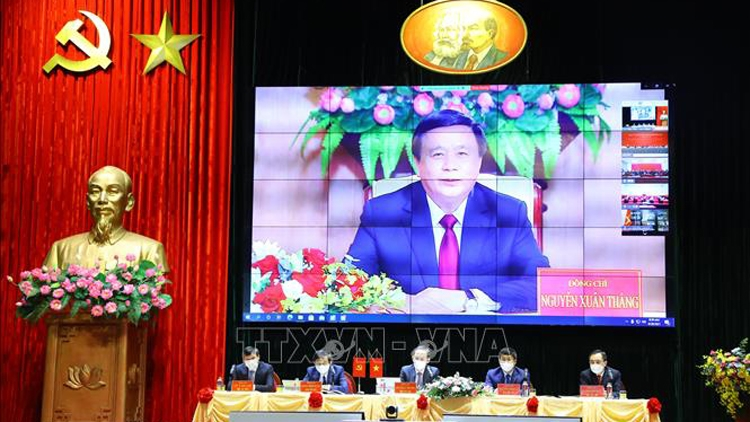 Vietnam, China share experience in Party building, national development