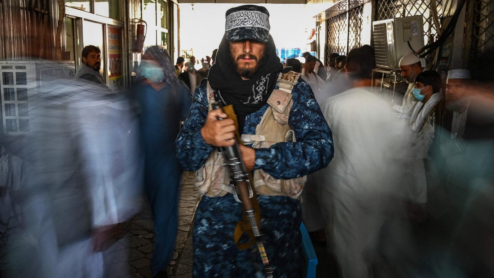 """""""Nói không đi đôi với làm"""", Taliban đang khiến thế giới hoài nghi về cam kết thay đổi?"""