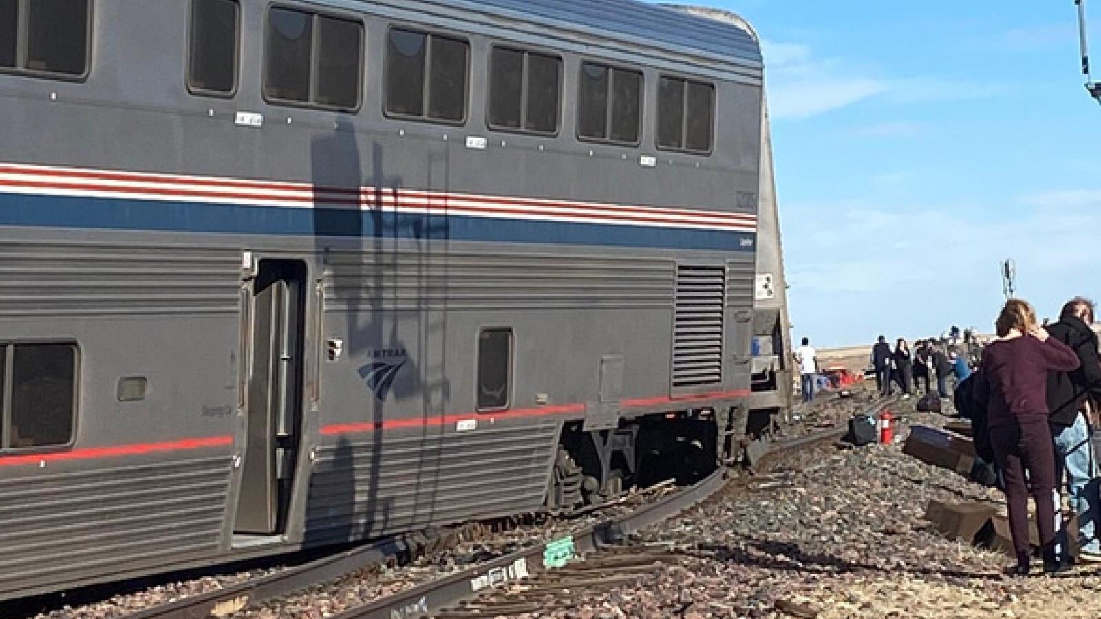 Tàu hỏa trật bánh khiến nhiều người thương vong ở Mỹ