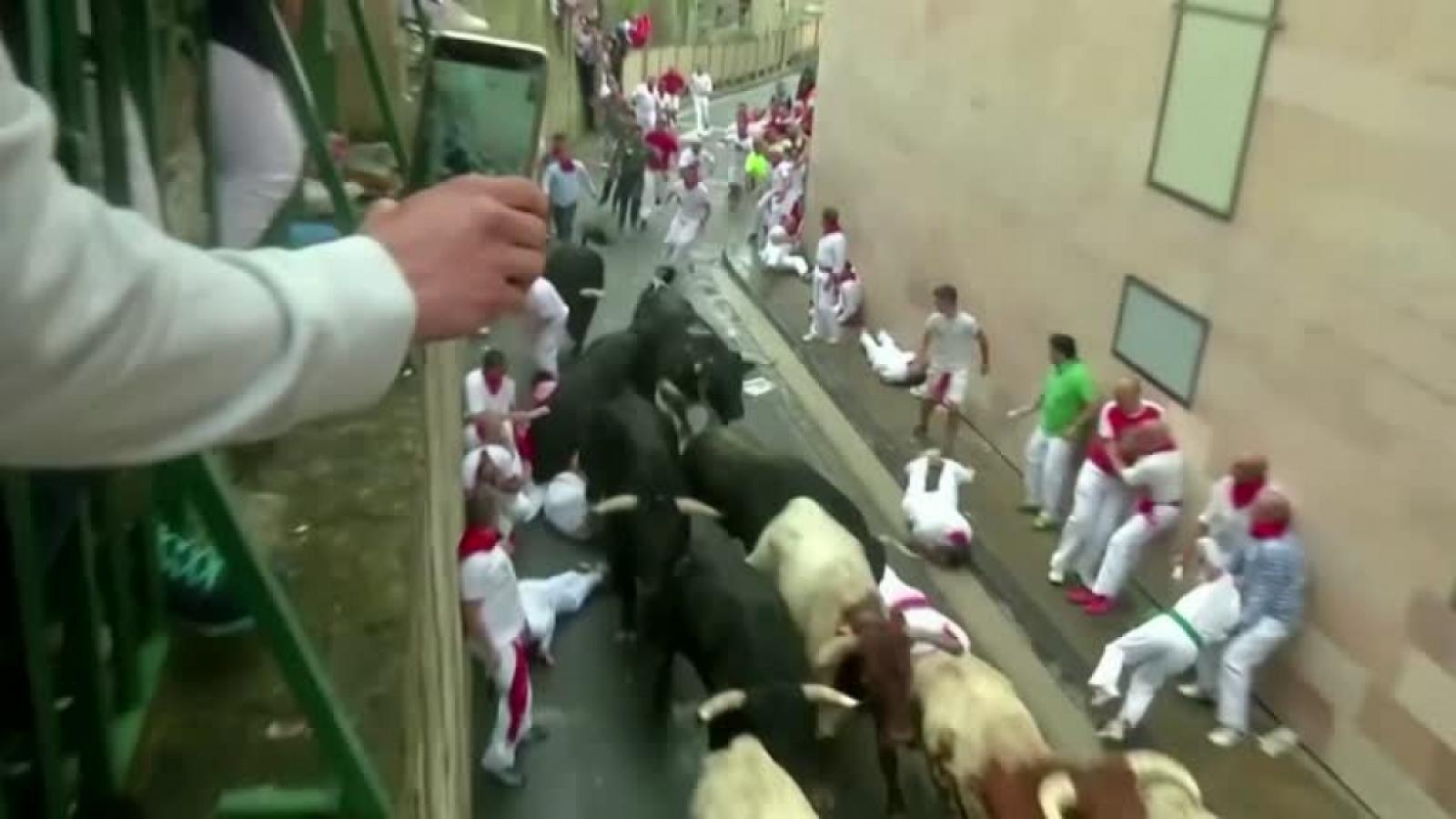 Tây Ban Nha: Lễ hội chạy đua với bò tót đầu tiên kể từ dịch COVID-19 bắt đầu