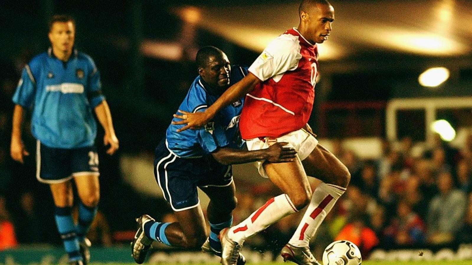 Ngày này năm xưa: Arsenal san bằng kỷ lục khó tin ở Ngoại hạng Anh