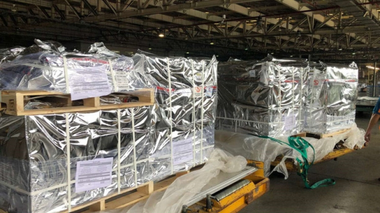 Additional 100,000 vials of Remdesivir for COVID-19 treatment arrive in Vietnam
