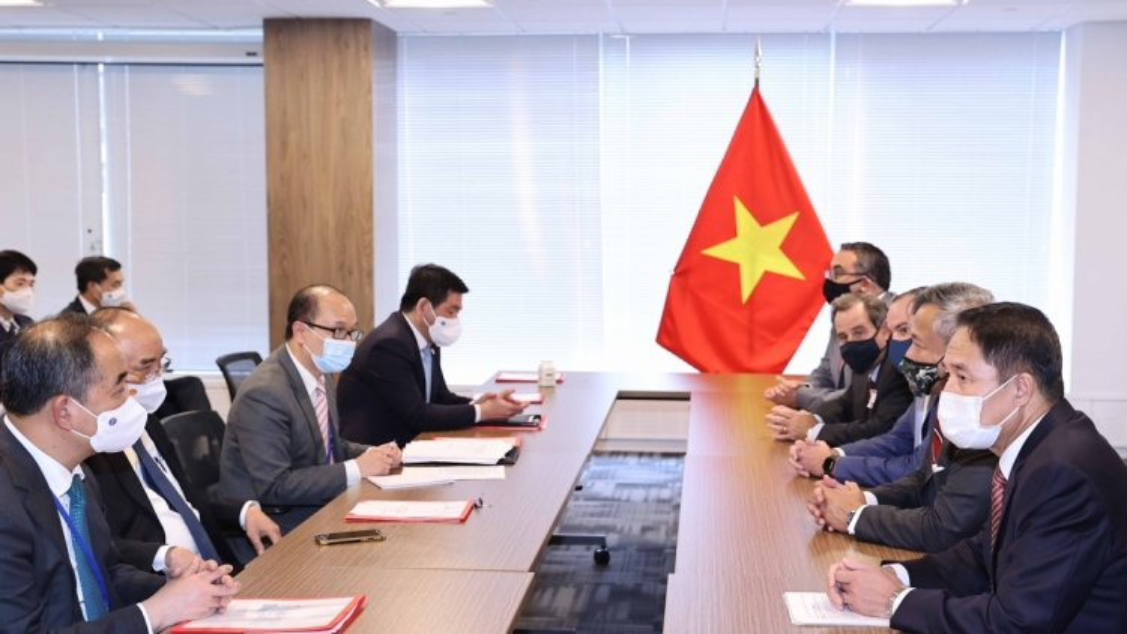 President Phuc appreciative of increased US investment in Vietnam
