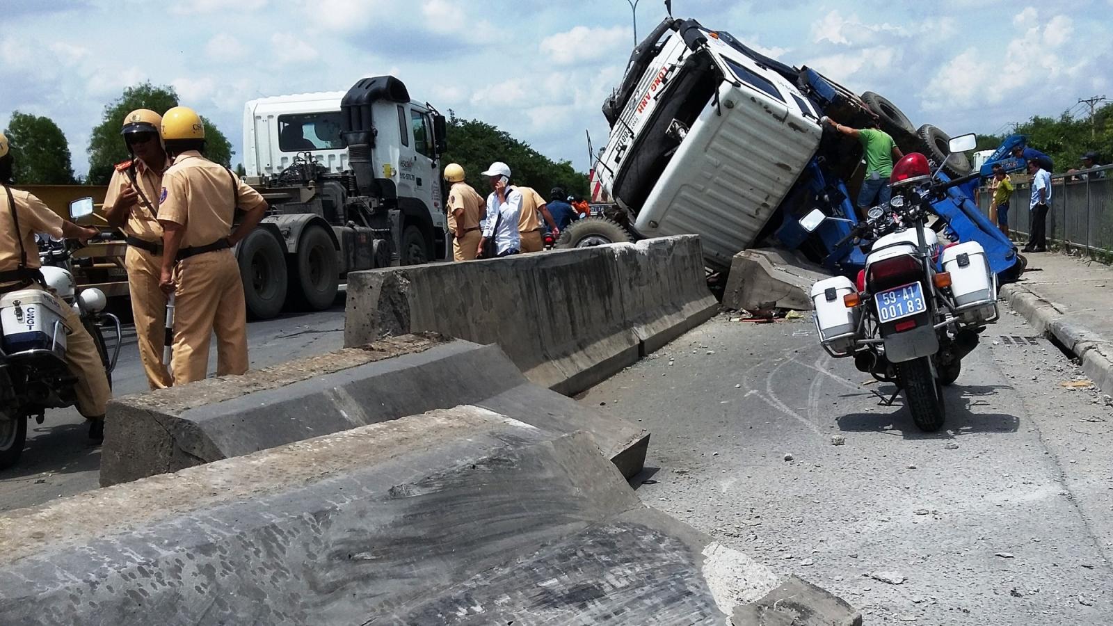 4.175 người chết,hơn 5.600 người bị thương do tai nạn giao thông trong 9 tháng