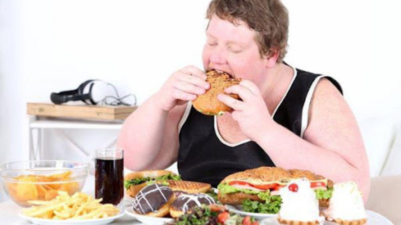 Đừng vội phán xét, chì chiết cha mẹ khi trẻ béo phì