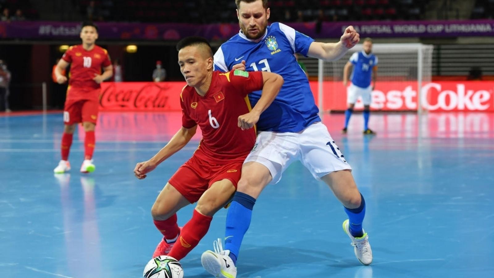 Trực tiếp ĐT Futsal Việt Nam 0-0 ĐT Futsal CH Séc: Đức Hòa đá thay Văn Vũ