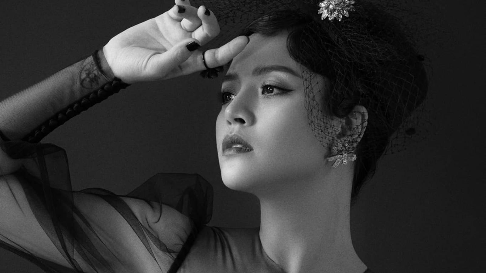 """Chuyện showbiz: Thu Quỳnh khoe đường cong giấu kín trên phim """"Hương vị tình thân"""""""