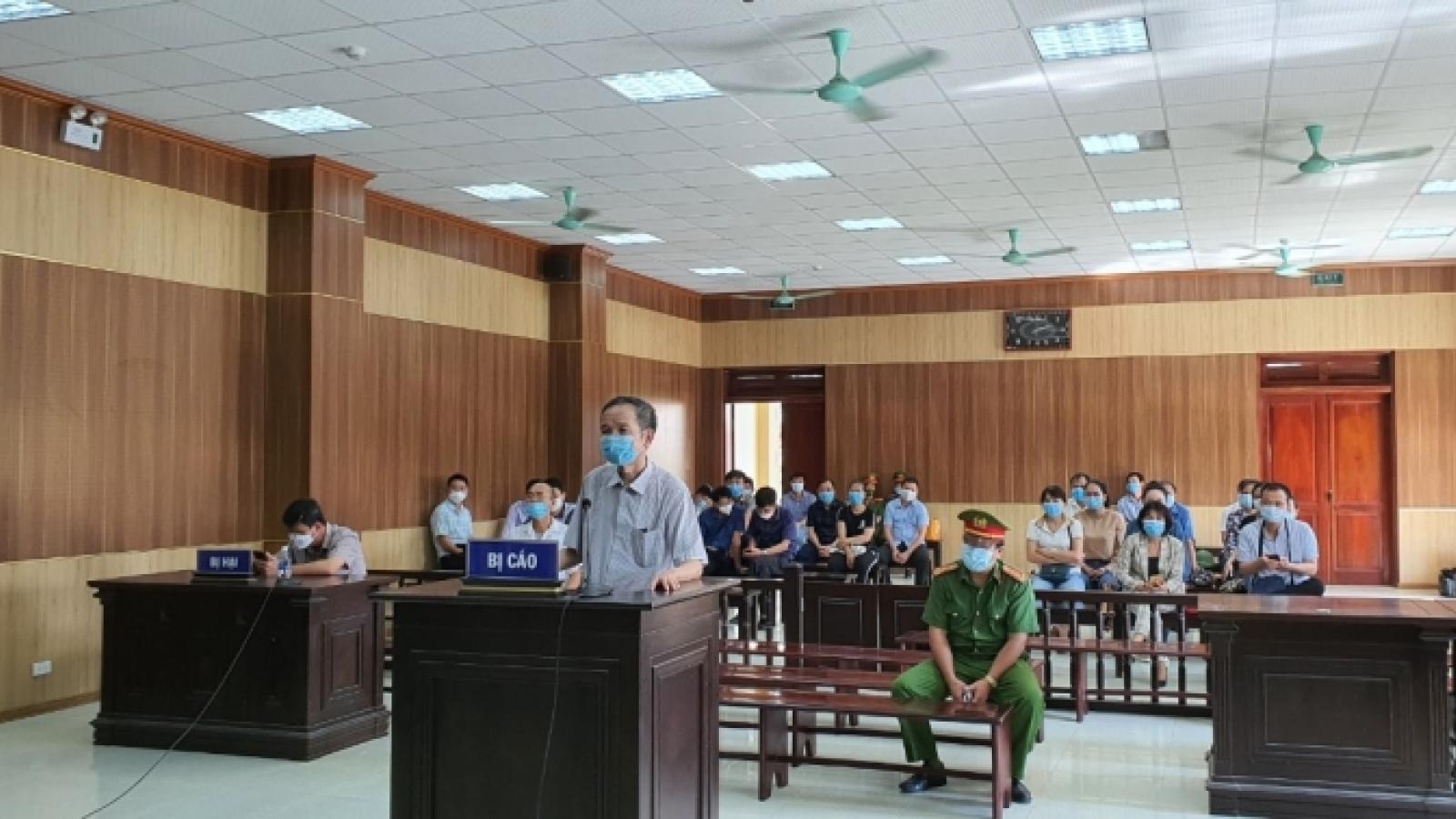 Tuyên phạt cựu Phó Chủ tịch Hội đồng Nhân dân thị xã Nghi Sơn 30 tháng tù giam