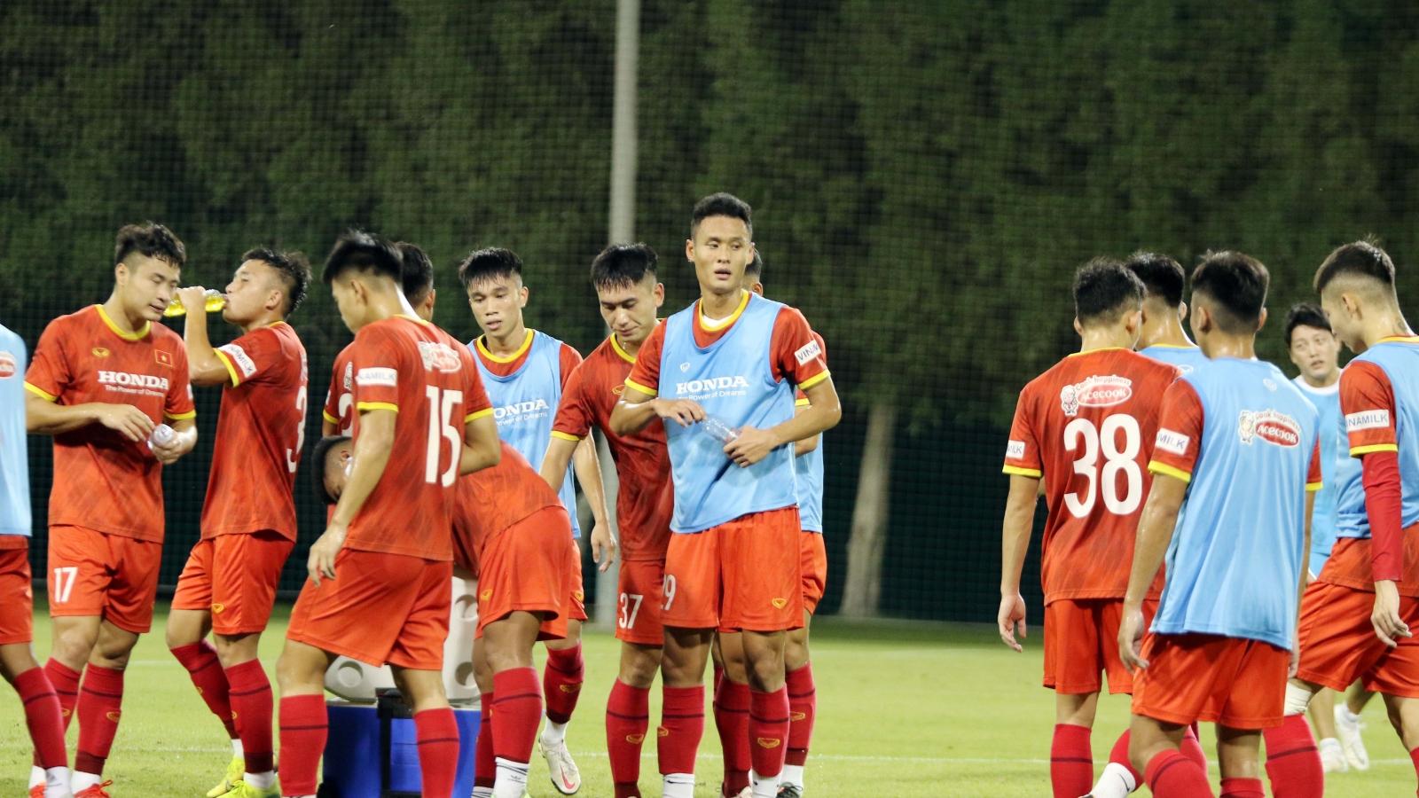 U23 Việt Nam tăng cường độ tập luyện, chờ đón thầy Park trở lại