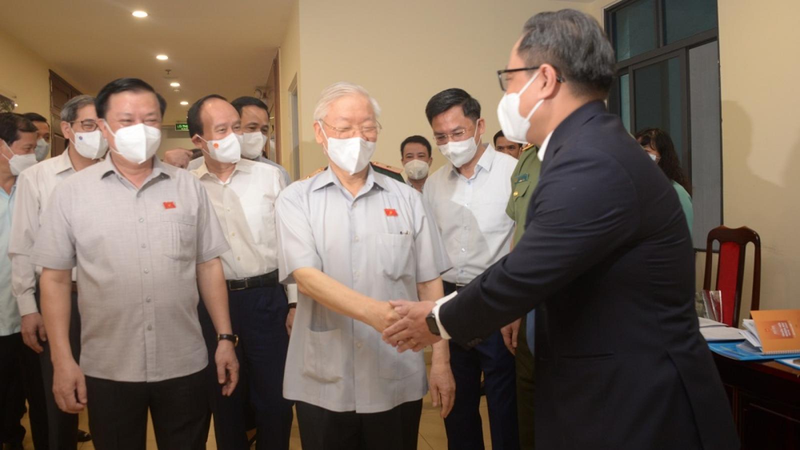 Tổng Bí thư Nguyễn Phú Trọng tiếp xúc cử tri trước Kỳ họp thứ 2 Quốc hội khoá 15