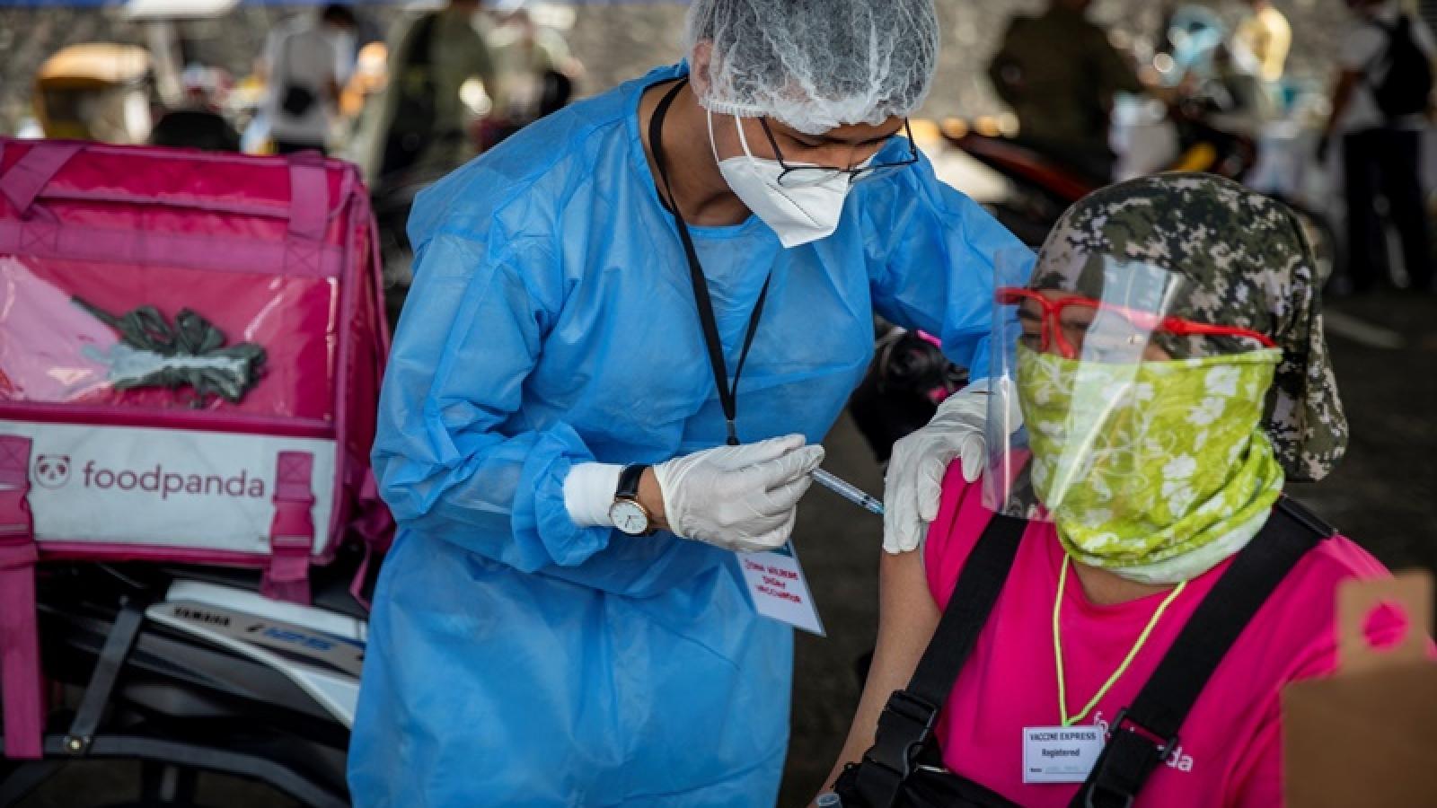 Philippines thử nghiệm tiêm kết hợp vaccine kể từ đầu tháng 11