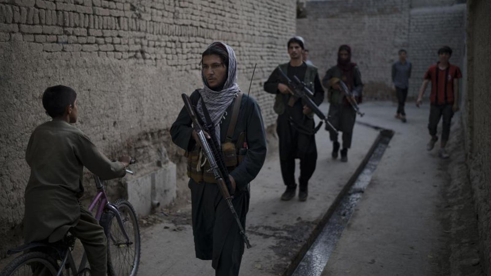 Chế độ cai trị hà khắc của Taliban: Người hoan nghênh, người thấp thỏm lo sợ