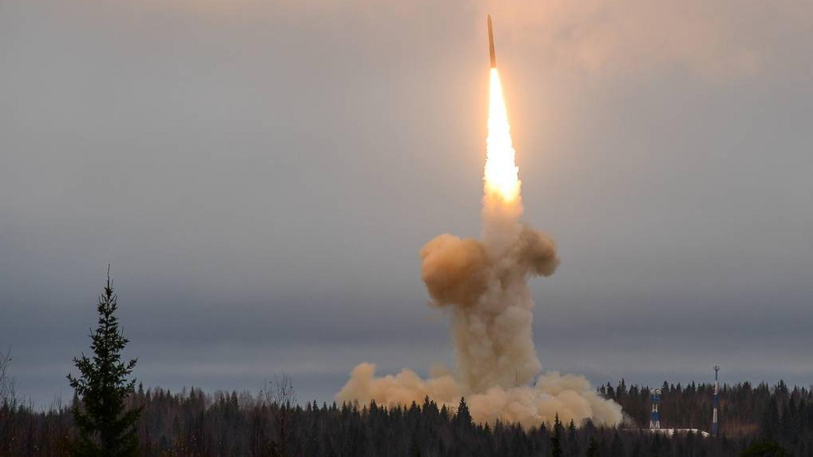 Tổng thống Putin: Nga sở hữu tên lửa siêu thanh tốc độ trên Mach 25