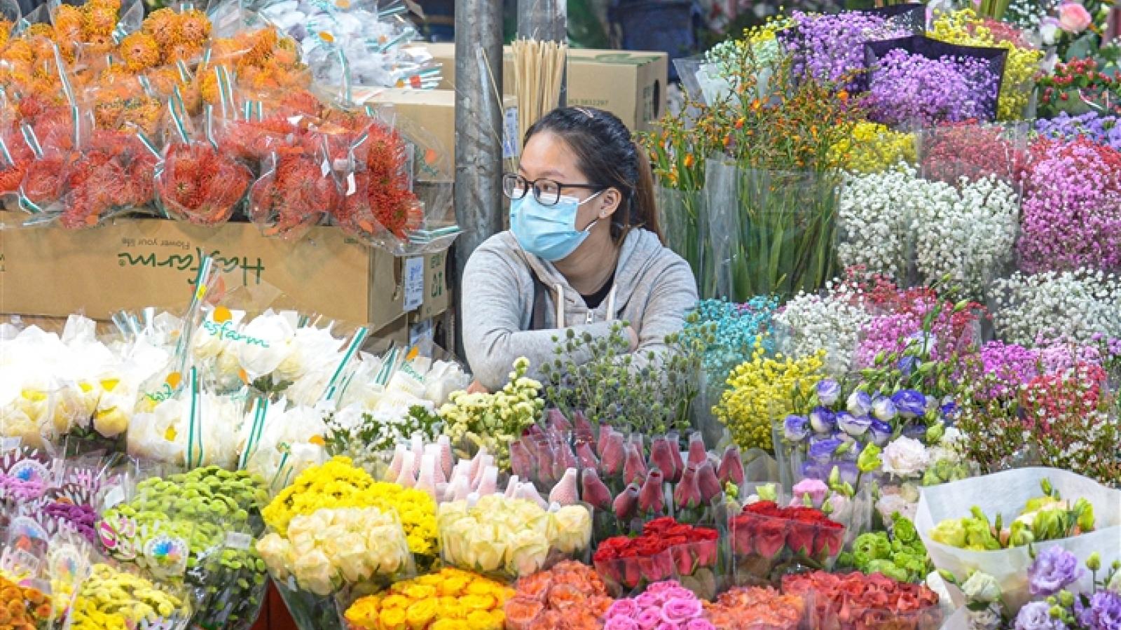 Giá hoa ngày 20/10 tăng mạnh