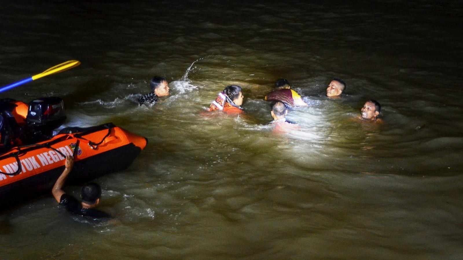 Ít nhất 11 học sinh thiệt mạng vì đuối nước ở Indonesia