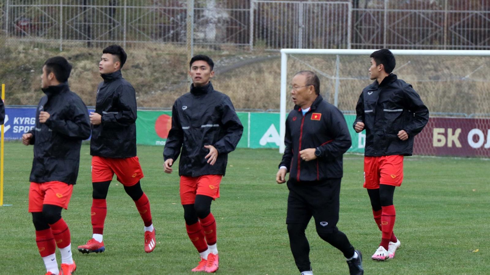 U23 Việt Nam tập dứt điểm dưới thời tiết lạnh giá ở Kyrgyzstan