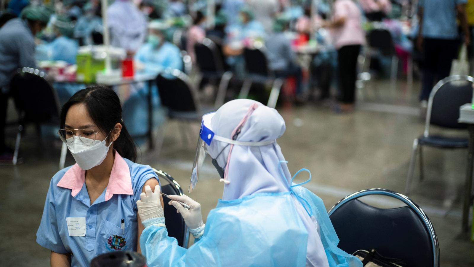 88% học sinh trung học phổ thông tại Bangkok đã được tiêm vaccine ngừa Covid-19