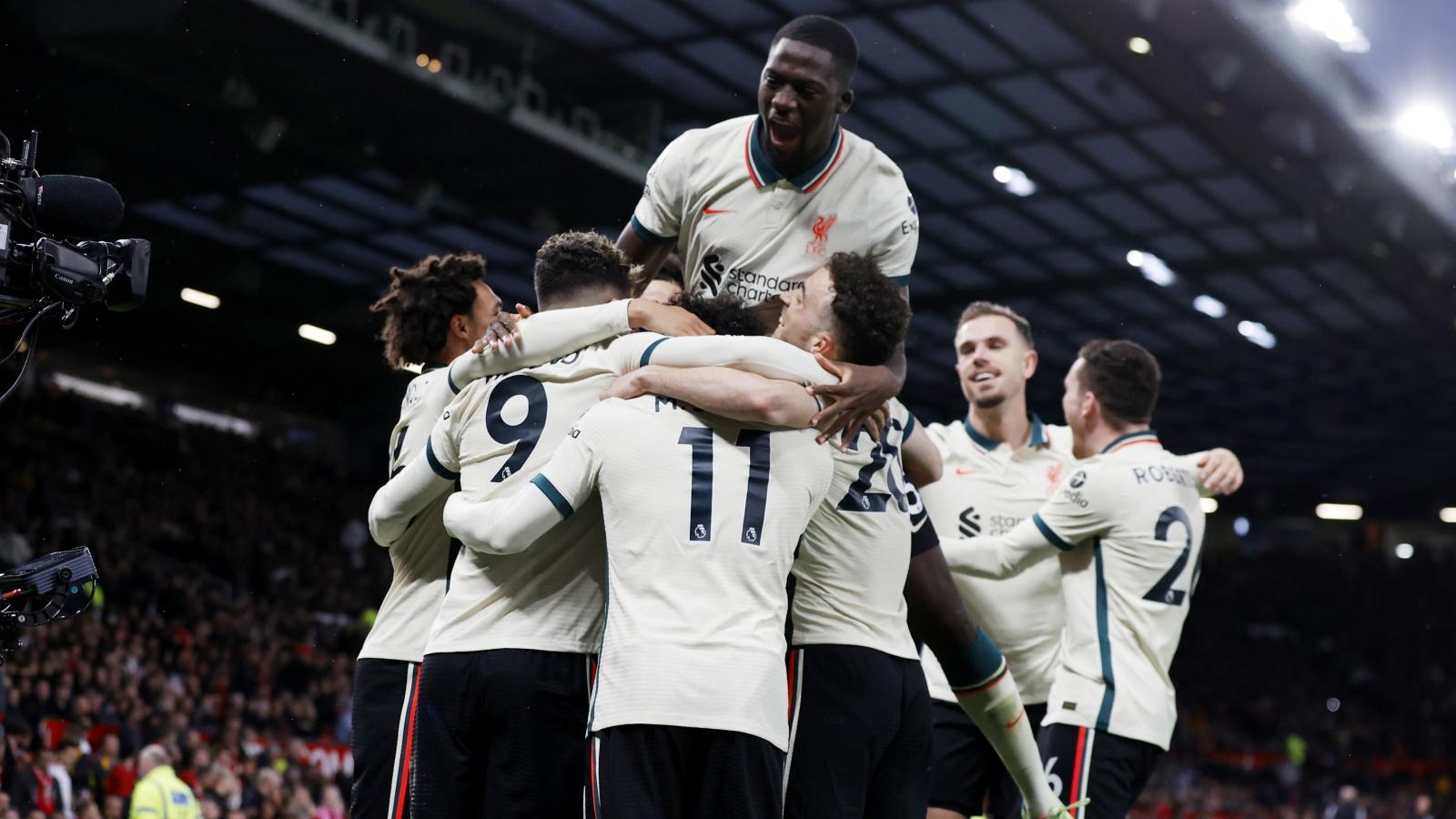 Salah lập hat-trick, Liverpool vùi dập MU 5 bàn không gỡ trong ngày Pogba nhận thẻ đỏ
