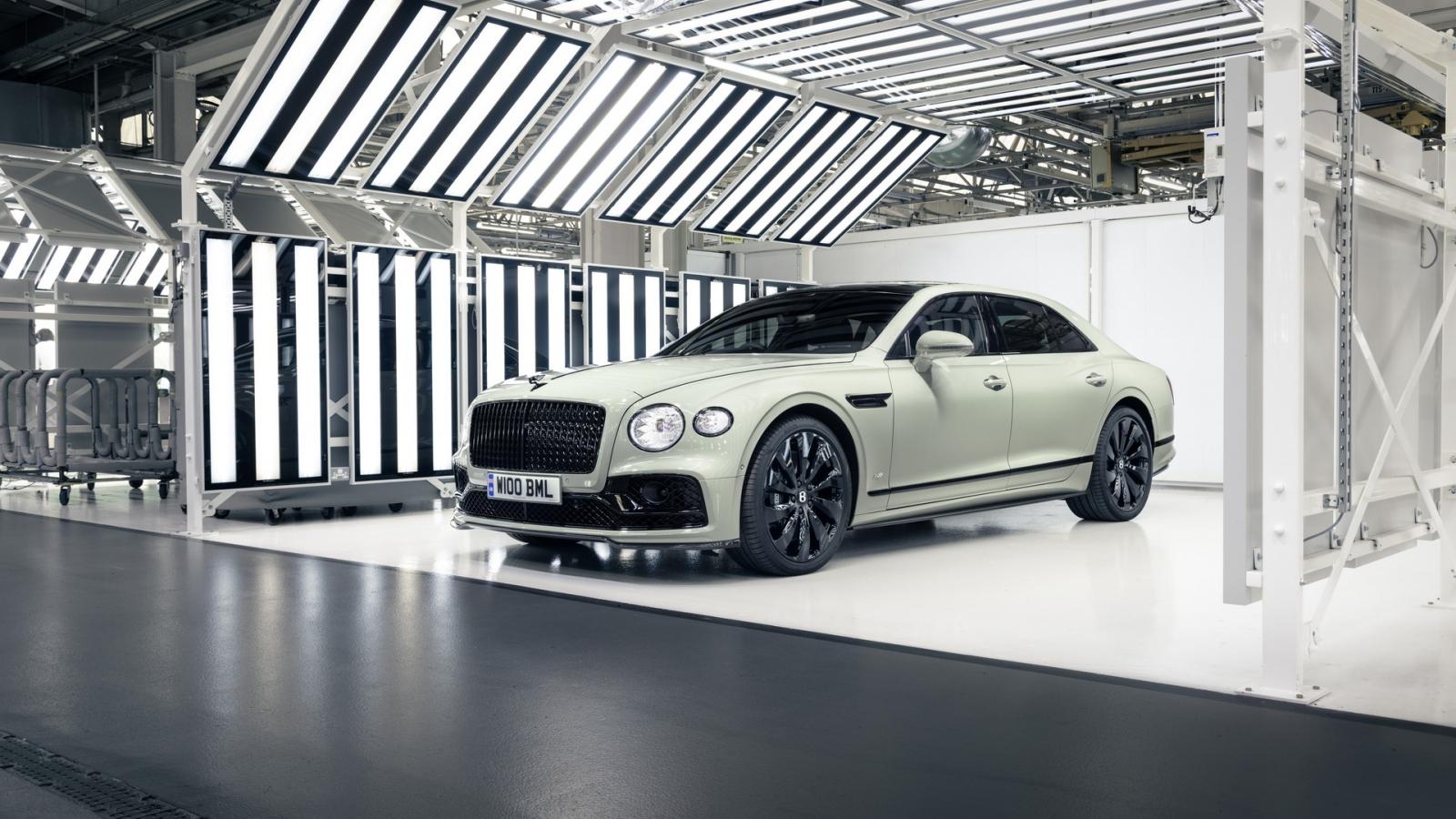 Bentley mang trở lại bốn màu sơn gầm 100 năm tuổi