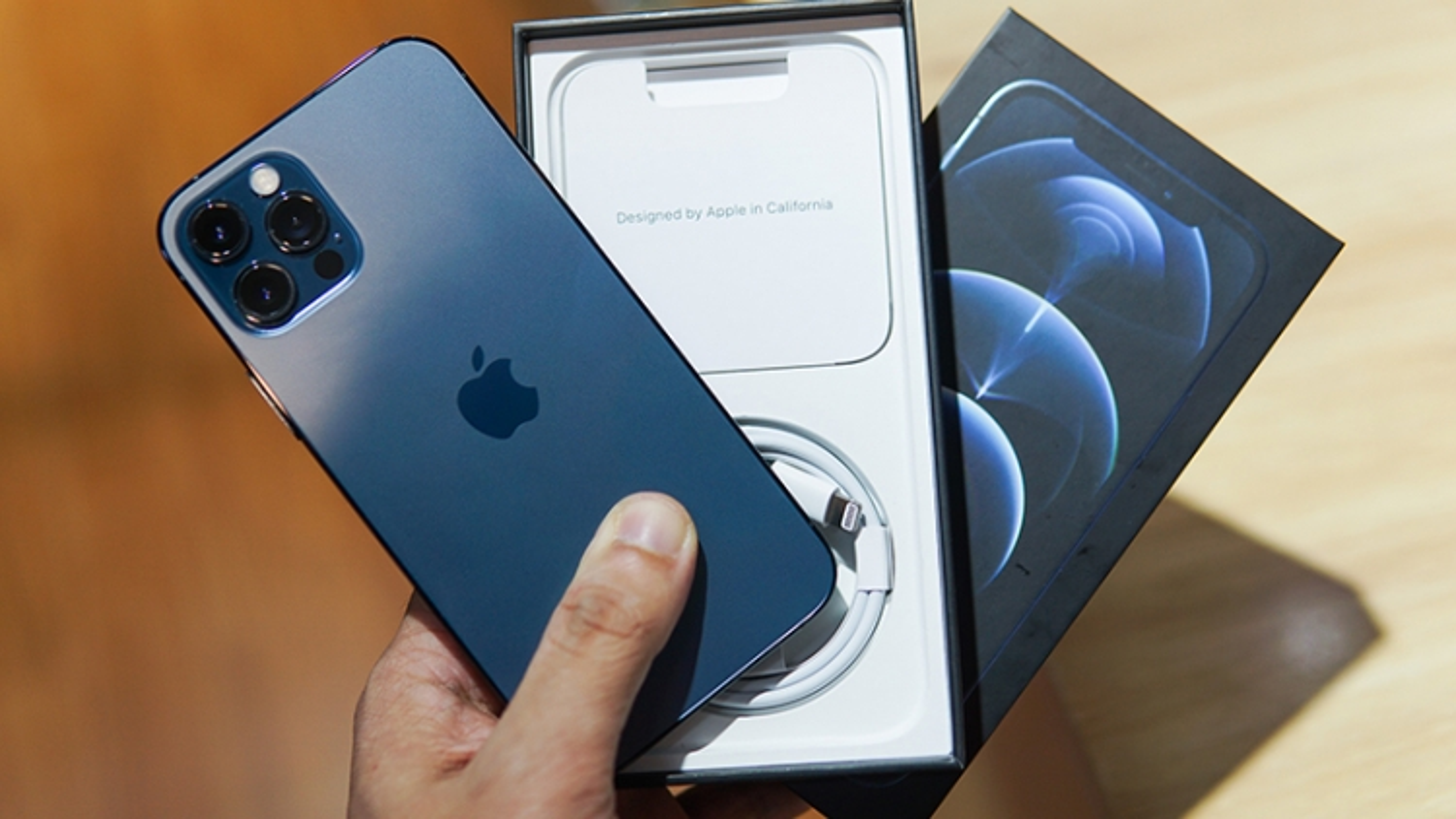 Người dùng kiện Apple vì từ chối sửa iPhone 12 còn bảo hành